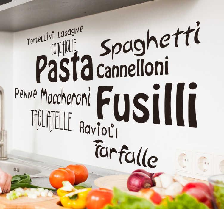 TenStickers. Adesivo murale tipi di pasta. Se sei un amante della gastronomia italiana, scopri questo adesivo murale per cucina, che presenta i nomi di diversi tipi di pasta!