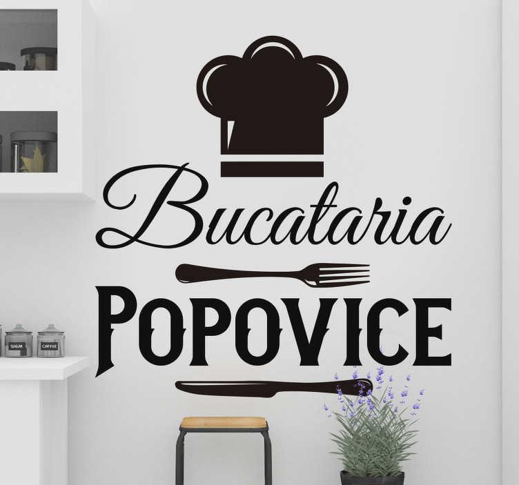 TenStickers. Autocolant personalizat cu numele de bucătărie. Căutați o atingere confortabilă pentru bucătăria dvs.? Acest uimitor de perete personalizat uimitor este atingerea perfectă pentru job! Comanda acum!