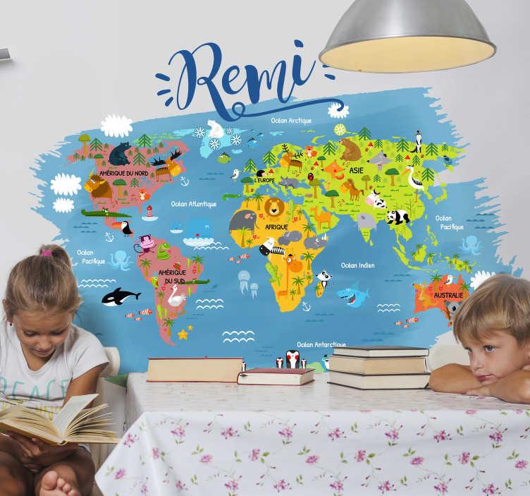 TenStickers. Stickers Monde Mappemonde animaux du monde. Évadez vous et partez à la conquête du monde avec ce sticker mappemonde animaux du monde et son design personalisable avec le prénom de votre enfant.