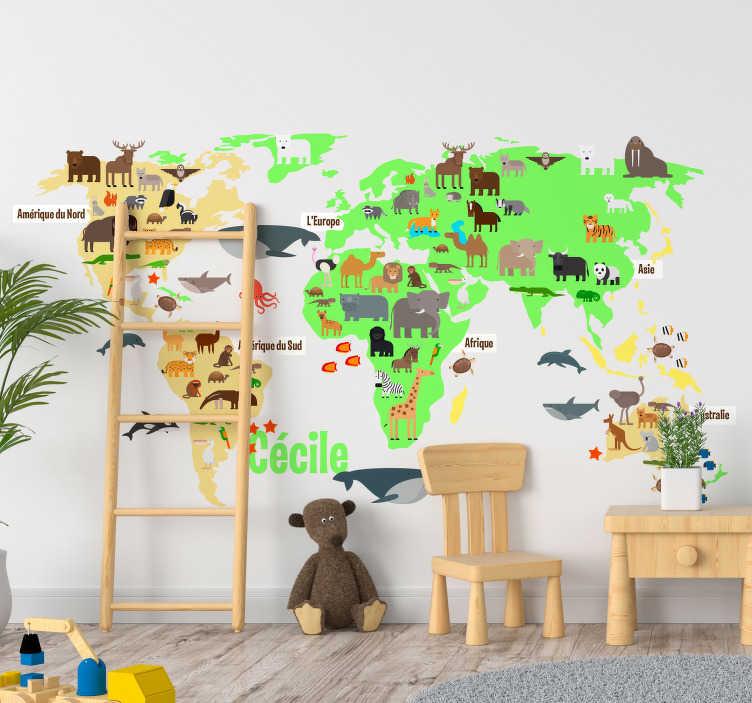 TenStickers. Stickers Monde animaux de la faune et prénom. Décorez de manière ludique et originale la chambre de vos enfants avec ce sticker mappemonde et ses animaux, personnalisable avec prénom.