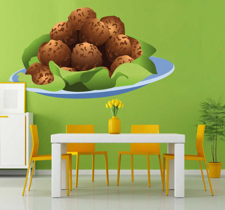 TenStickers. Sticker cuisine boulettes viande. Décorez votre mobilier ou vos murs avec ce stickers coloré pour cuisine représentant une assiette de boulettes de viande frites accompagnées de salade.Jolie idée déco pour la cuisine.