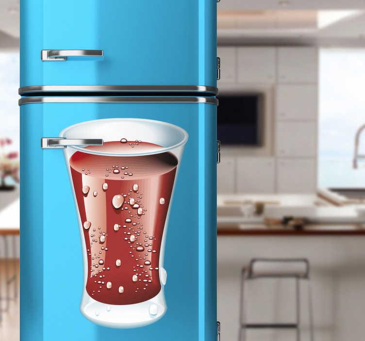 TenStickers. Naklejka napój cola. Naklejka na lodówkę przedstawiająca szklankę wypełnioną orzeźwiającym napojem. Dla wszystkich miłośników coca-coli.