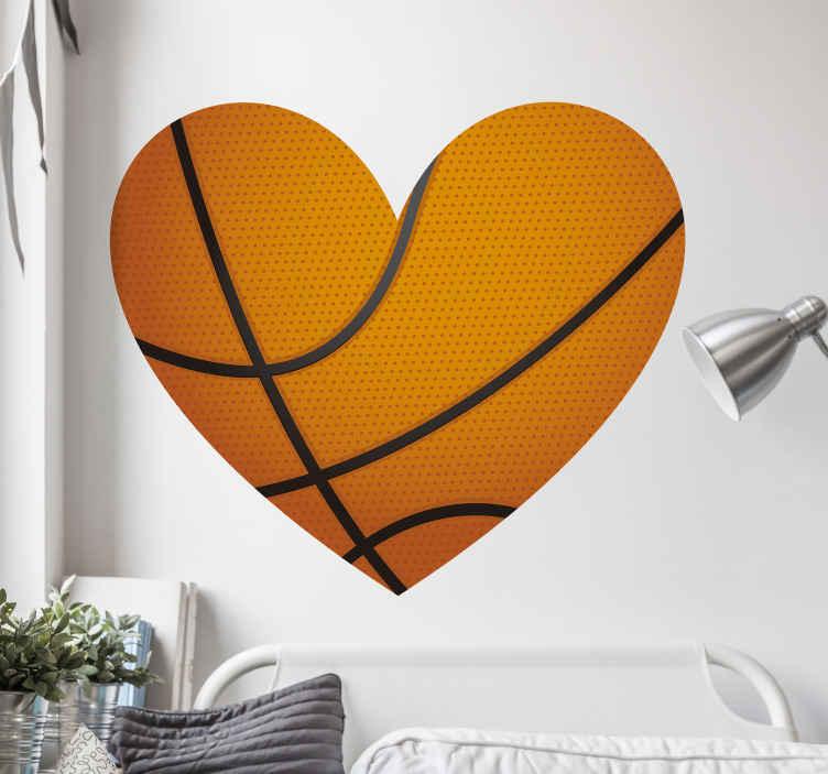 TENSTICKERS. 愛のバスケットボールのステッカー. ラブハート風にデザインされたバスケットボールのウォールアートステッカー。このデザインはあらゆるスペースに適していますが、10代の寝室に最適です。簡単に適用できます。