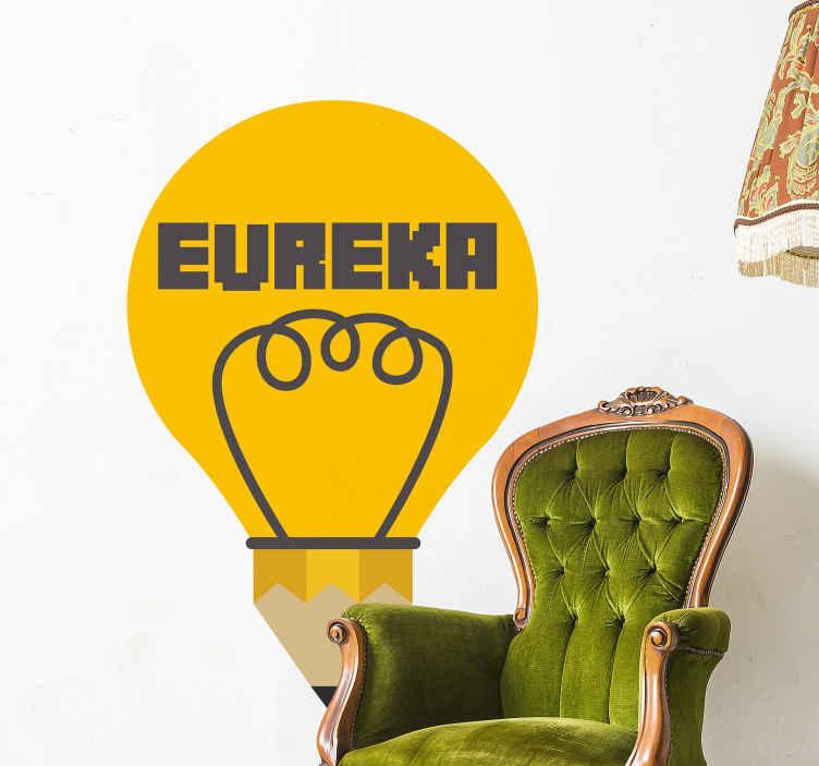 TENSTICKERS. エウレカテキスト壁デカール. 「ユーレカ」の文字が入った黄色の装飾的な電球デカールデザイン。このデザインは、任意のスペースで装飾的です。
