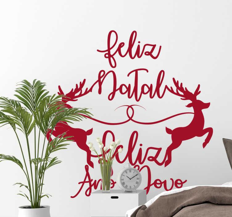 """TenStickers. Autocolantes decorativos de Natal Renas Feliz Natal. Torne a sua decoração natalícia deste ano ainda mais original e distinta com este espetacular vinil decorativo de """"Feliz Natal e Feliz Ano Novo""""!"""
