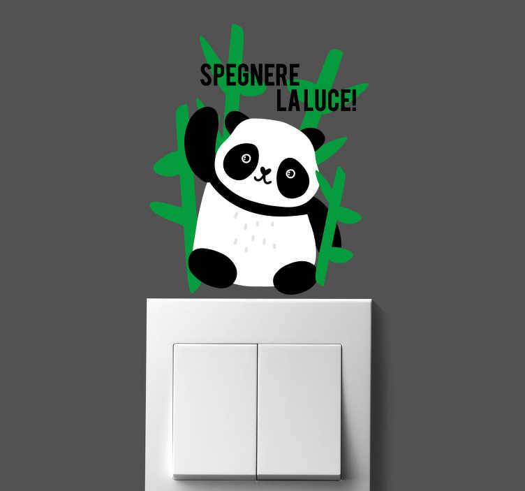 TenStickers. Adesivo animale selvatico panda. Di seguito vi viene mostrato un fantastico sticker interruttore panda, una fantastica idea per ricordare a tutti di evitare sprechi di alcun tipo.