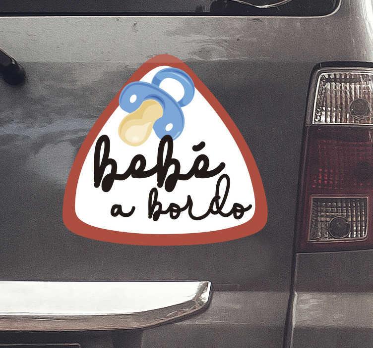 """TenVinilo. Vinilo coche bebé a bordo con chupete. Vinilo decorativo de ventana para coche fácil de aplicar del diseño del bebé a bordo creado con un chupete y el texto """"bebé a bordo"""" para mantener a un niño seguro en el coche."""