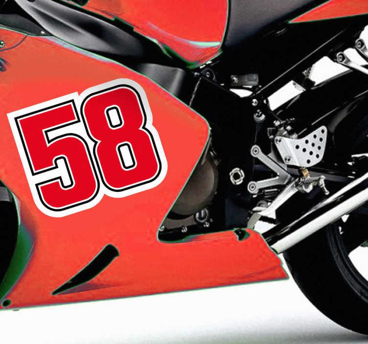 TenStickers. Numeri adesivi moto 58 Simoncelli. Adesivo decorativo di commemorazione del pilota italiano di motociclismo, morto tragicamente sul circuito di Sepang.