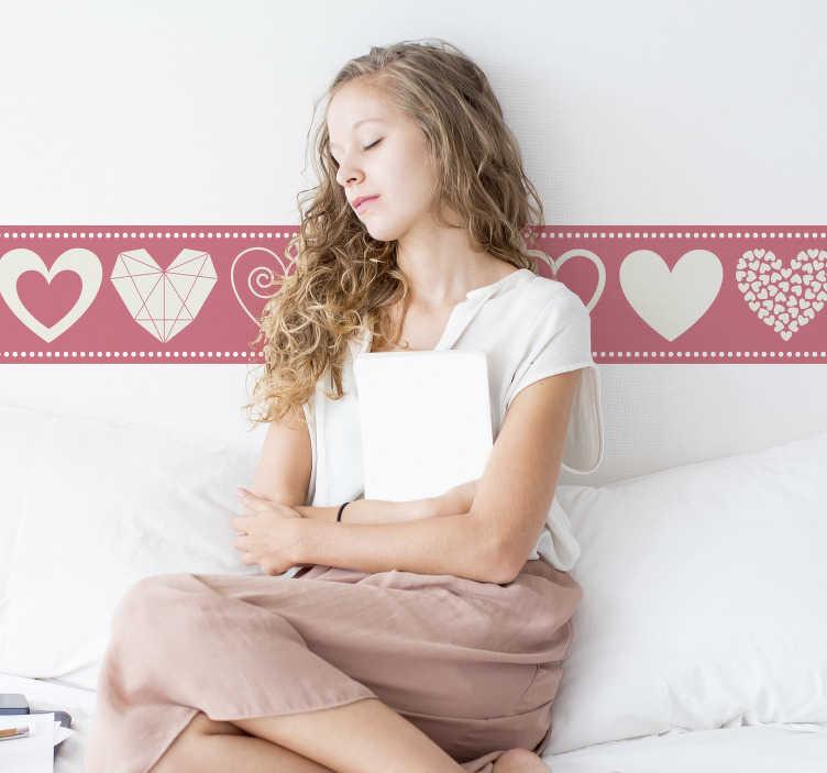 TenStickers. Herz Sticker Herzchen Bordüre. Wie wäre es mit dieser Aufkleber Bordüre mit süßen Herzchen in verschiedenen Designs in pink? Perfekt für Ihr Schlafzimmer und Romantik pur!