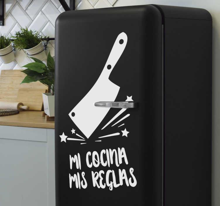 """TenVinilo. Pegatina para nevera Mi cocina mis reglas. Maravilloso vinilo texto para nevera con frase """"MI COCINA MIS REGLAS"""" con el que decorarás tu cocina de forma divertida reflejando tu personalidad."""