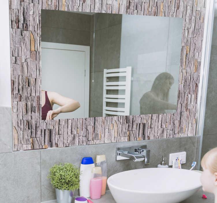 TenStickers. Nalepka za zrcalo okvir kamnite teksture ogledalo za steno. Enostavno nanašanje nalepke za okvir zrcala, ustvarjeno z okrasno kamnito teksturo, ki vam bo všeč. Samo izbrali velikost, ki vam je ljubša.