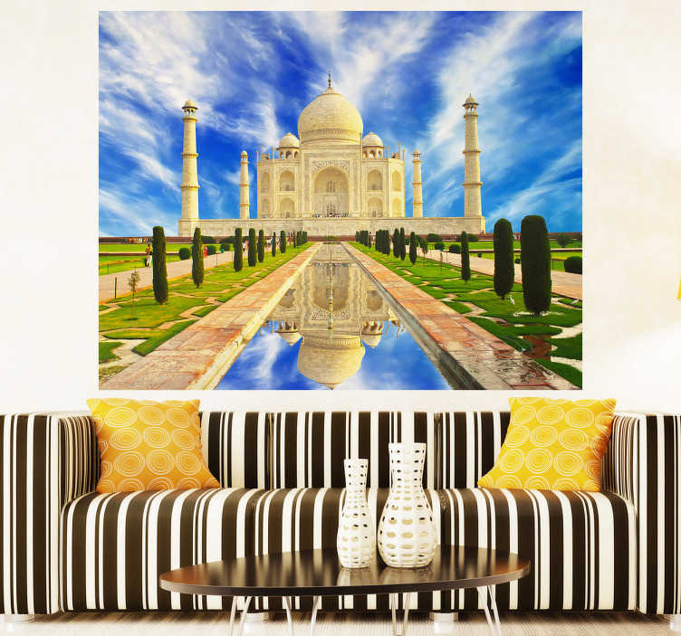 TenStickers. Vinil decorativo fotomural Taj Mahal. Vinil decorativo estilo fotomural do monumento com a imagem do Taj Majal. Adesivo de parede para contemplares esta referência da India.