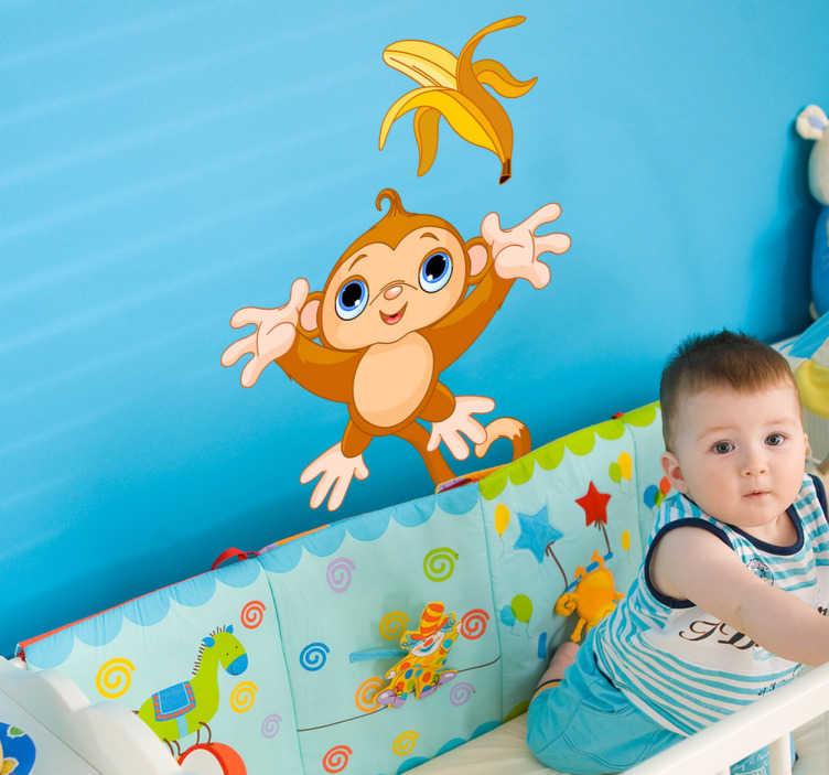 TenStickers. Kids klistermærker abe og banan. Et sødt design fra vores samling af abe-vægklistermærker til at dekorere legehjemmet eller soveværelset af de små derhjemme. Dette dekal er meget let at påføre og efterlader ingen rester ved fjernelse.