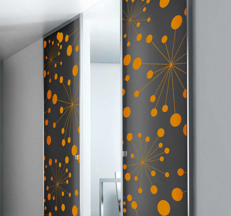 TenStickers. 추상적 인 원형 디자인 스티커. 추상 벽 스티커 - 서로에서 촬영하는 원의 시원하고 현대적인 디자인. 세련된 추상적 인 디자인은 사무실이나 교실에 적합합니다.