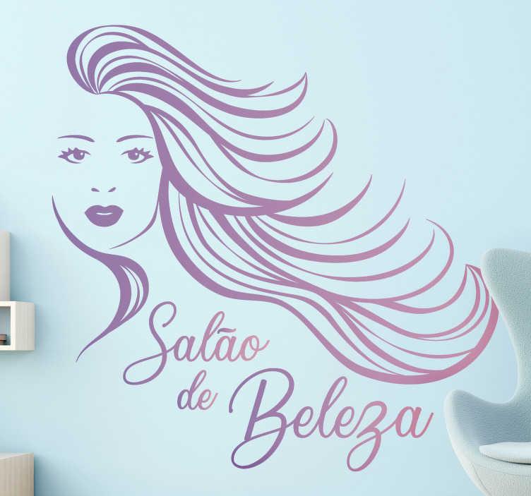 """TenStickers. Autocolantes de negocios Salão de Beleza. Decore o seu salão de beleza de forma personalizada com este fantástico autocolante decorativo para empresas com as palavras """"Salão de Beleza"""" a roxo."""
