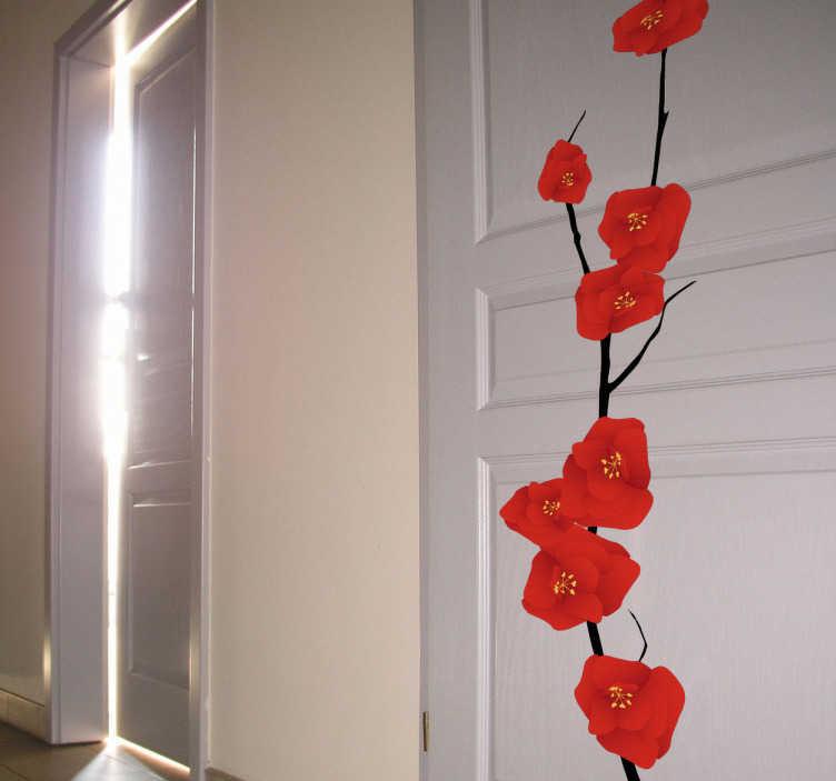 TenStickers. Naklejka kwiaty japońskie. Stwórz wyjątkowe wnętrze w stylu zen dzięki naszej naklejce dekoracyjnej. Obrazek przedstawia gałąź pokrytą czerwonymi kwiatami inspirowaną stylem japońskim.