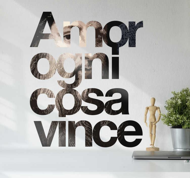 TenStickers. sticker citazione Leonardo Da Vinci . Adesivo con citazione di Leonardo Da Vinci sull'amore che vince tutto. Questo design è creato in stile digitale in marrone.