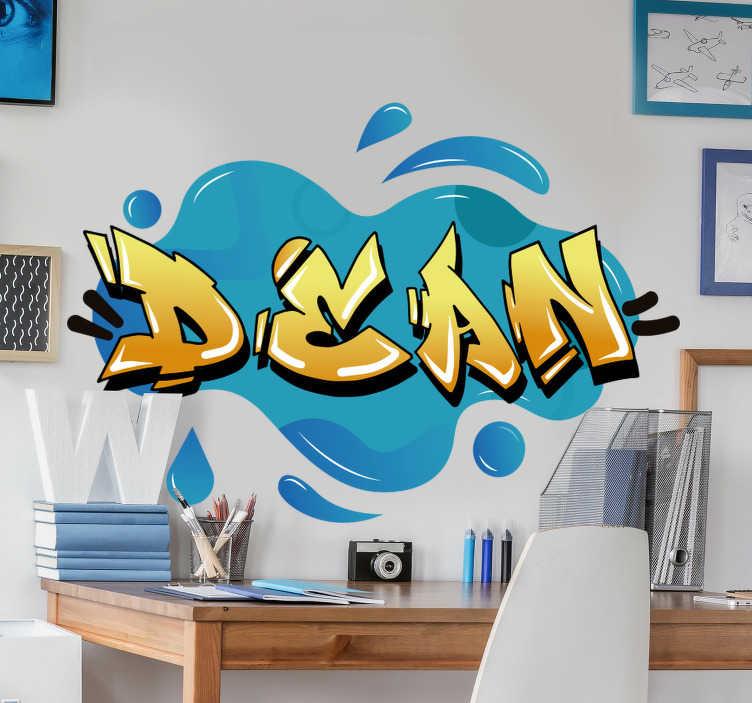 TenStickers. Grafiti ime splash tekstura urban decal. Grafiti ime splash tekstura urbana zasnova nalepk v modrem ozadju z imenom dekan je vse, kar morate narediti, da se ta stena spremeni v vašem domu.