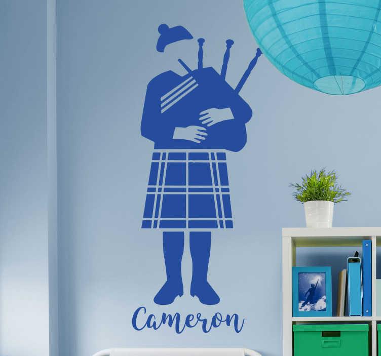 TenStickers. Autocollant mural cornemuse. Stickers mural illustrant un joueur de cornemuse.Sélectionnez les dimensions et la couleur de votre choix.Idée déco originale et simple pour votre intérieur.