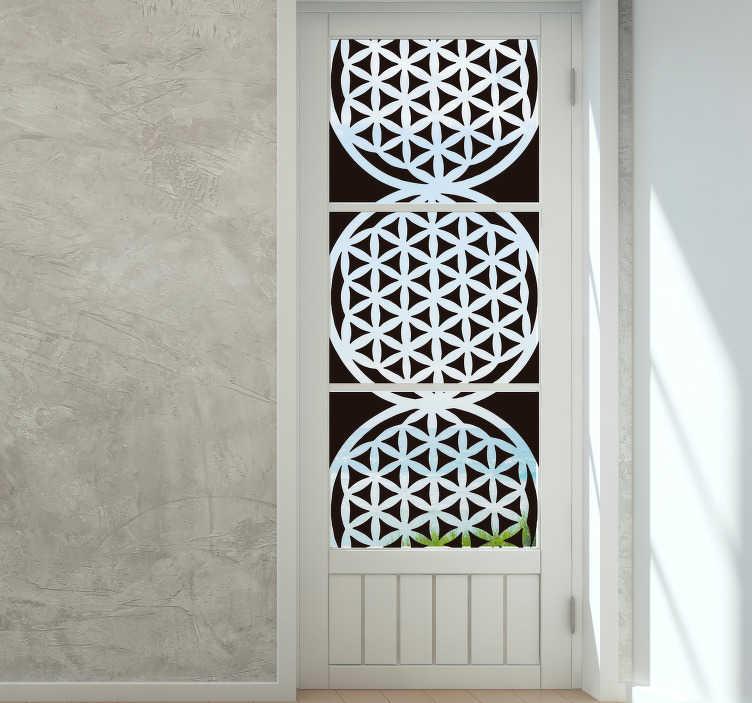 TenStickers. sticker de fenêtre fleur de vie. Autocollant décoratif de fenêtre fleur de vie créé en couleur blanche pour les surfaces de vos fenêtres dans votre maison. Cette conception est facile à appliquer et à entretenir.