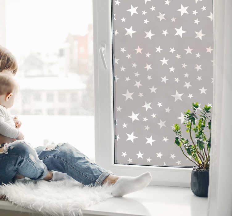 TenStickers. Sterren raamzelfklevende sticker. Vlindervormige raamzelfklevende sticker gemaakt in een transparante vorm die u graag uw raam wilt versieren, speciaal voor uw kinderslaapkamer.