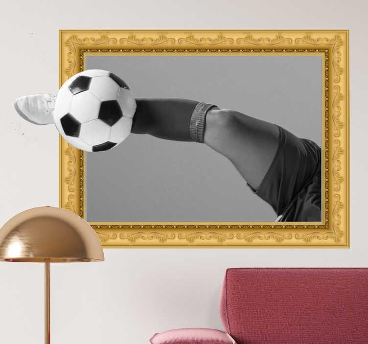 TenStickers. 3d voetbal frame zelfklevende sticker. Een muurzelfklevende sticker met een visueel voetbaleffect gemaakt van een speler en een bal. Dit ontwerp kan in de grootte van uw keuze zijn. Eenvoudig aan te brengen.