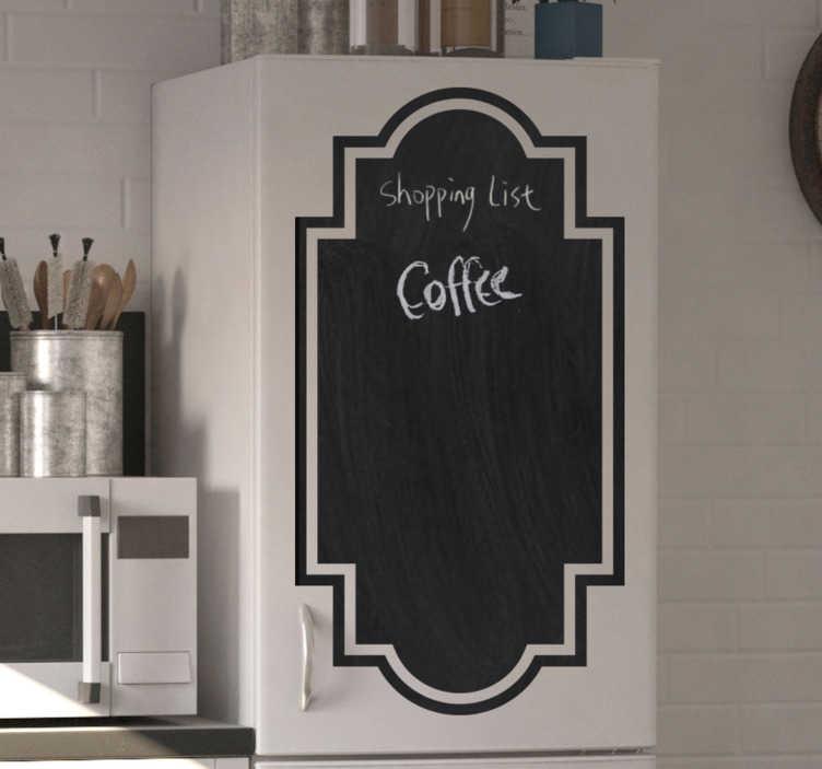 TenStickers. Schoolbord huishoudelijke apparaten zelfklevende sticker . Een muurzelfklevende sticker waarop u kunt schrijven, ontworpen voor uw keukenapparaat om een menu, boodschappenlijst en wat u voor uw gezin wenst te schrijven. Eenvoudig aan te brengen.