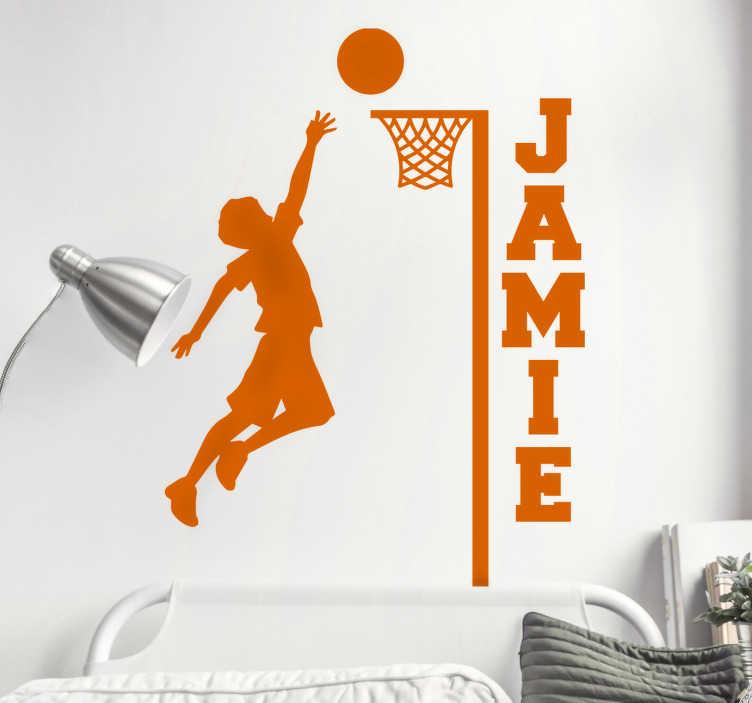 TenStickers. namen basketball wandtattoo. Einfach anzubringender wandaufkleber eines netball-sportspielers mit einem namen, der mit dem von ihnen bevorzugten namen personalisiert werden kann.