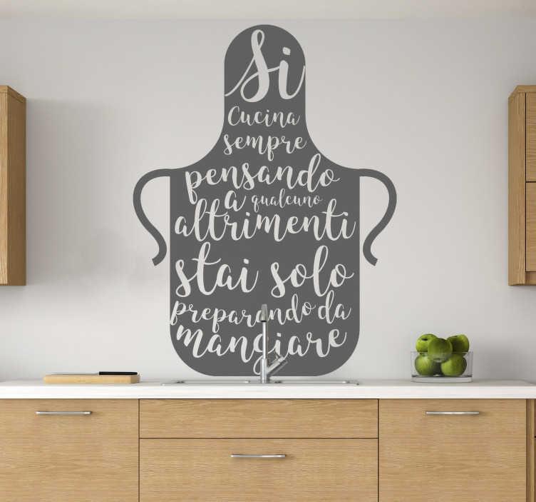 TenStickers. Frase sticker testo casa cucina. Acquista la nostra sticker  della cucina decorativa e facile da applicare progettata con una grande brocca da cucina e un testo che riguarda la cottura.
