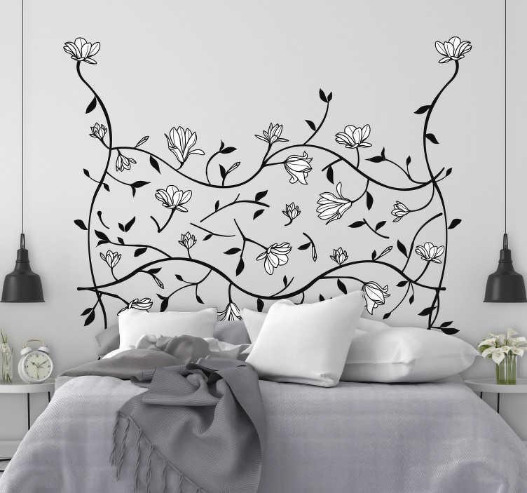 TenStickers. Magnolie blumen wandtattoo. Kaufen sie unseren einfach aufzutragenden wandkunst-blumenaufkleber, der mit einer gut gemusterten zierblume zur Dekoration des schlafzimmers erstellt wurde.