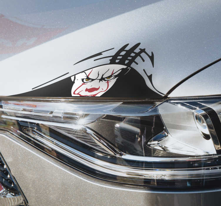 TenStickers. 자동차 데칼보고 광대. 광대보고 장식 자동차 창 데칼 디자인. 이것은 영화 및 비디오 게임 캐릭터 행위의 특징을 가진 디자인입니다.