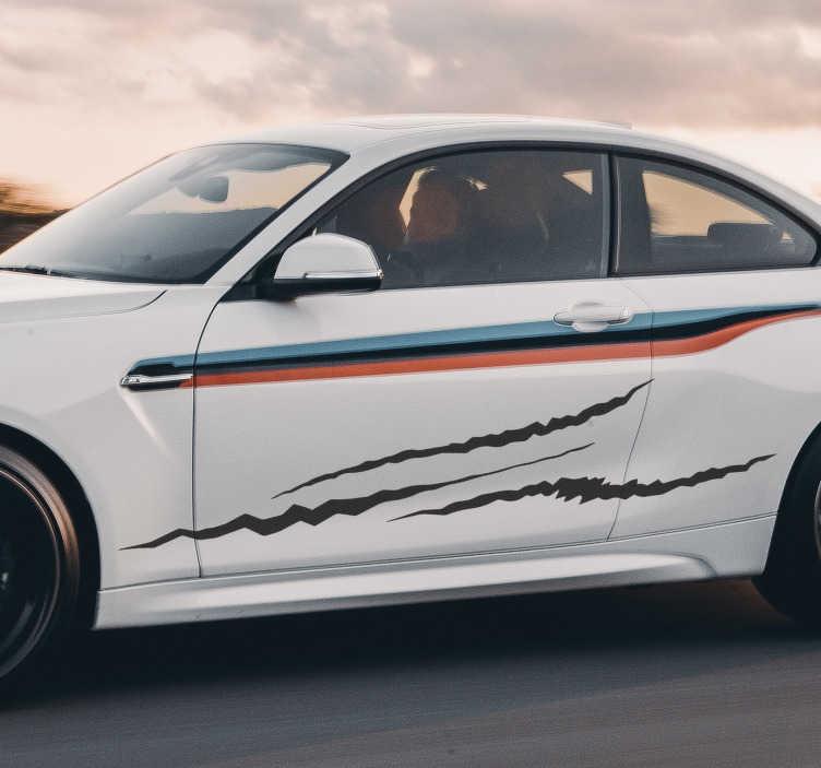 TenStickers. Voiture de course avec autocollant de voiture à gratter. Autocollant décoratif de voiture avec le style de rayures sur la surface. Vous pouvez acheter ce design dans la couleur et la taille que vous souhaitez.