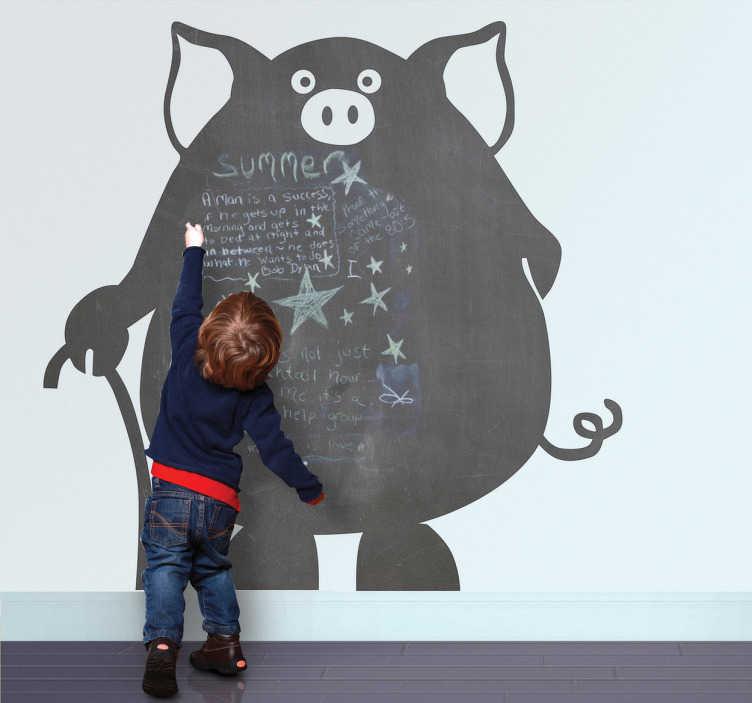 TenVinilo. Vinilo pizarra cerdo. Adhesivo decorativo de un gordo puerco con bastón. Travieso dibujo a colocar en las paredes de tu casa sobre el que tus hijos podrán dibujar con tiza.