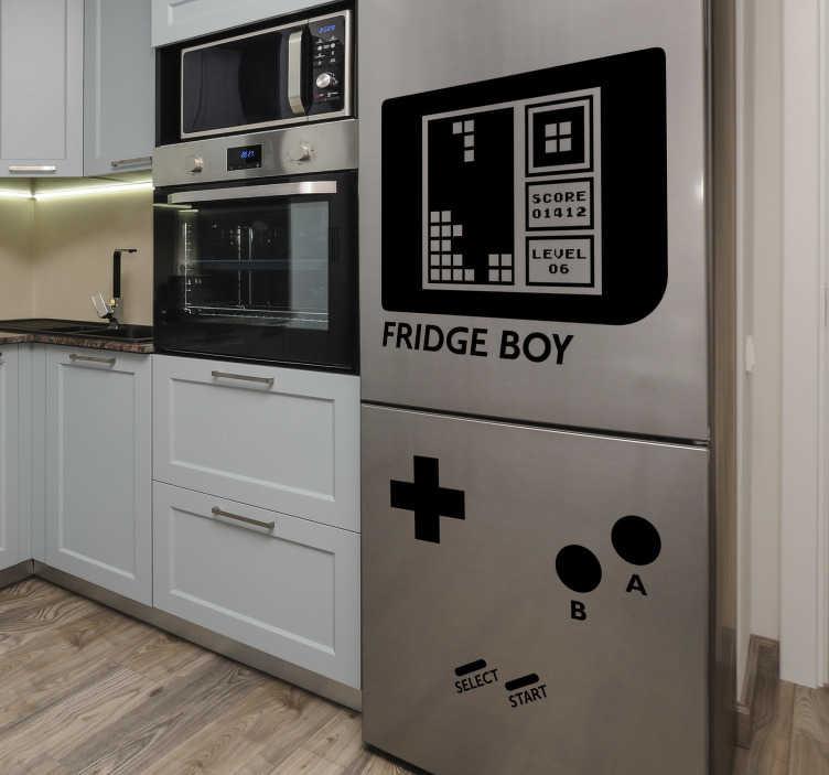 TenStickers. игровой мальчик холодильник холодильник наклейки. наклейка на электронное устройство идеально подходит для украшения холодильника. он имеет дизайн игры с текстом «game boy». это легко применить.