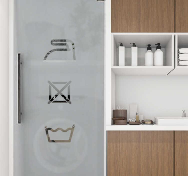 TenStickers. Zelfklevende muursticker van wasgoed. Decoratief zelfklevende muurstickers met iconische tekens erop. Het ontwerp kan in elke gewenste kleur en maat zijn. Eenvoudig aan te brengen.