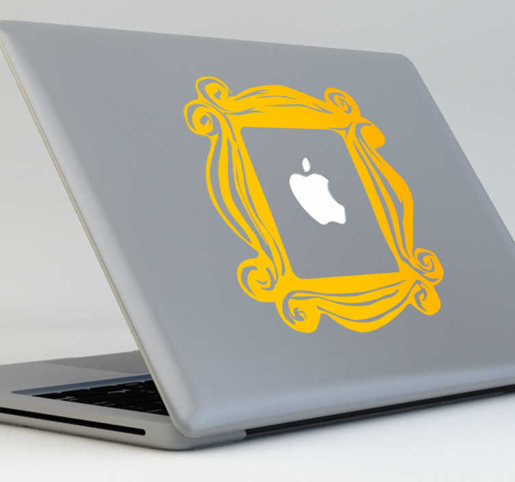 TenStickers. Nalepka prijateljev okvir macboock. Kreativni prijatelji decal, da okrasite svoj logotip jabolko na vašem macbook ali ipad. Ekskluzivni dizajn iz naše kolekcije nalepk macbook. Oblikovanje, ki ga navdihujejo prijatelji serije hitov, dizajn okvirja za pehole.