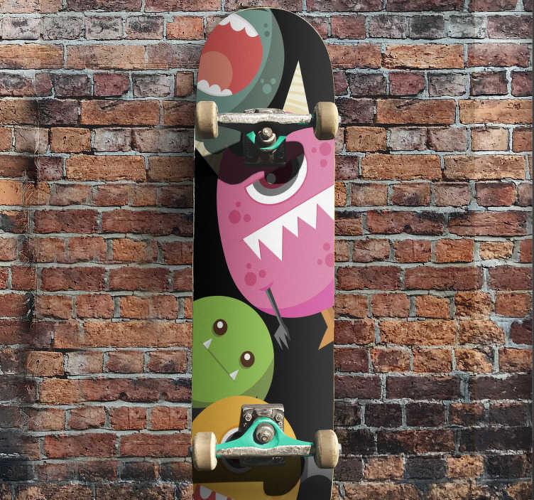 TenStickers. Monsters  zelfklevende skateboardsticker. Decoratieve skateboard zelfklevende sticker met het ontwerp van een monster in veelkleurig. Eenvoudig aan te brengen en ideaal voor skate board voor kinderen.