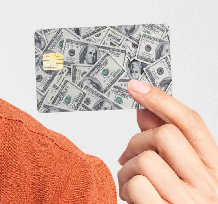 TenStickers. Vinil autocolante para cartão multibanco dólares. Decore a superfície do seu cartão com este autocolante para cartão multibanco dólares que possui um design de notas de Dólares americanos
