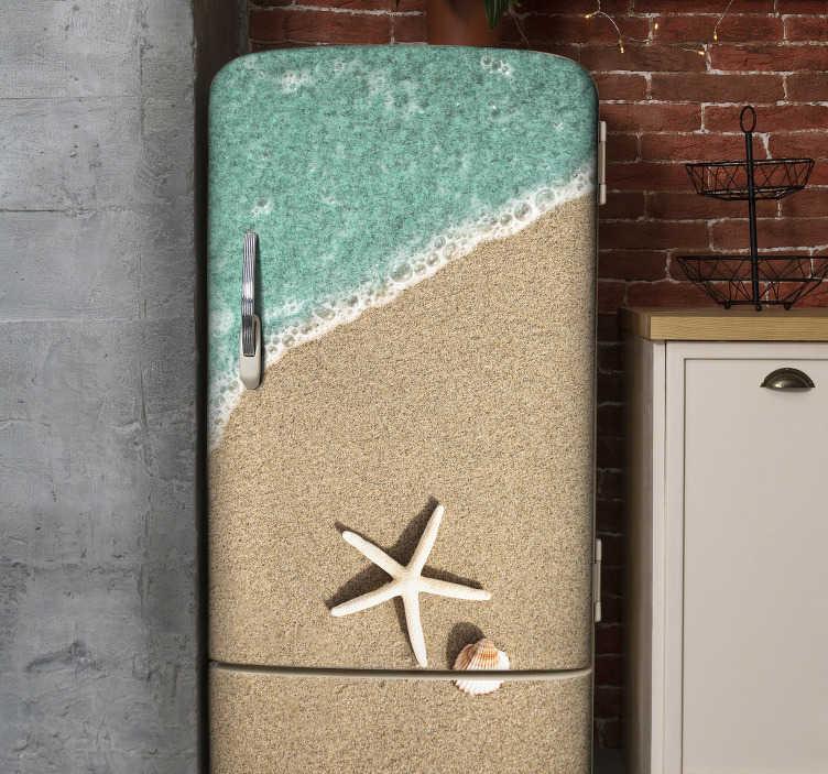 TenStickers. înveliș de frigider pentru scoici de mare. Autocolant decorativ frigider cu design de scoici pe malul mării. Are o diviziune a mării și a țărmului în aspectul original de aspect real.
