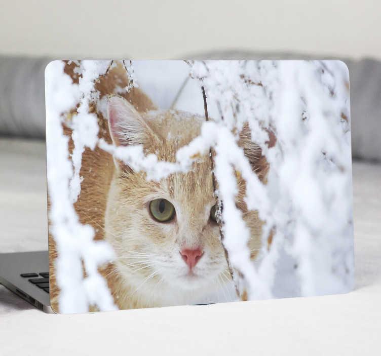 TenVinilo. Vinilo para portátil de gato entorno de invierno. Eche un vistazo a esta impresionante vinilo de gato y estalactita para laptop y compre en pocos pasos un producto realmente sorprendente