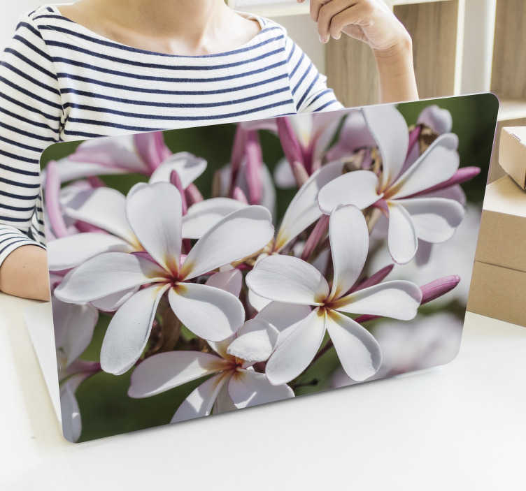 TenStickers. Pink and white flowers  laptop skin. Laptop skin decal design of white and pink flower designed in beautiful colour. Choose it in the size compact able with your laptop.