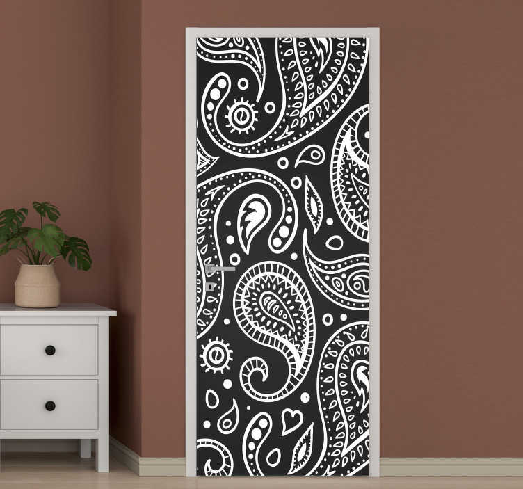 TenStickers. Paisley pattern black and white glass door sticker. Decorative paisley patterned door sticker in black and white colour to decorate any door in the home. Ideal for all door surface.