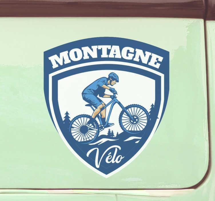 TenStickers. Autocollant voiture Cycliste montagne. Sticker voiture pour décorer n'importe quelle surface de votre véhicule. Il est conçu avec un cycliste dans les montagnes et peut être utilisé sur n'importe quelle surface plane.