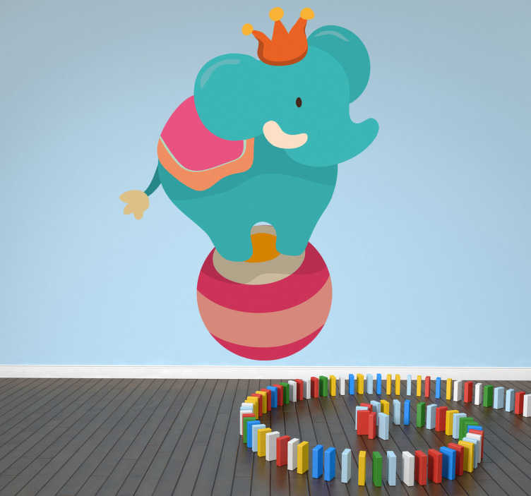 TenStickers. Muursticker kind circus olifant. Deze muursticker omtrent een olifant in felle kleuren en vrolijke vormen. Deze sticker is ideaal voor omgevingen met kinderen.