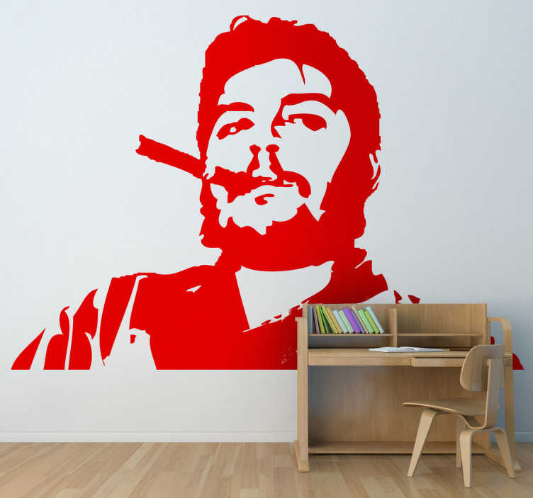 TenVinilo. Adhesivo retrato Che Guevara con puro. Adhesivo de una famosa imagen del revolucionario argentino Ernesto Guevara fumando un havano. Original vinilo para decoración juvenil.
