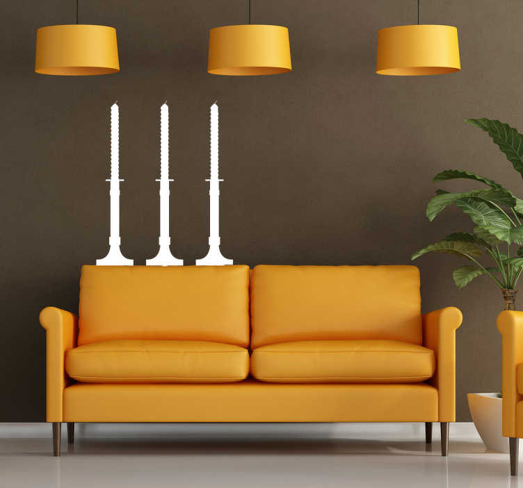 TenStickers. Naklejka dekoracyjna trzy świece. Klasyczna naklejka dekoracyjna przedstawiająca trzy świece umieszczone w eleganckich świecznikach. Oryginalna ozdoba na Twoją ścianę.