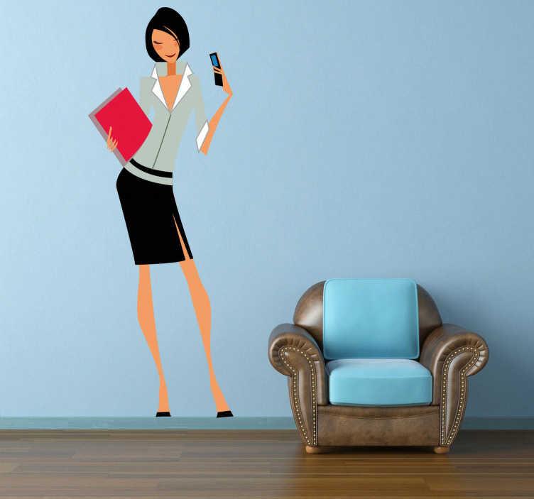 TenStickers. Sticker femme d'affaires. Adhésif mural illustrant une femme d'affaires occupée, tenant son téléphone portable et un dossier.Utilisez ce stickers pour décorer votre salon.