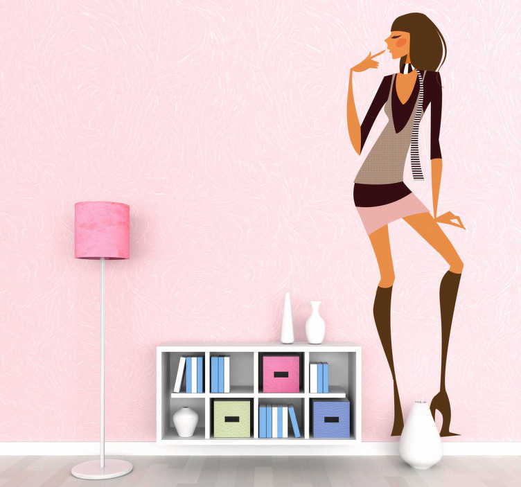 TenStickers. Sticker decorativo ragazza glamour 23. Adesivo decorativo che raffigura un'elegante ragazza che indossa stivali e minigonna. Una decorazione ideale per una boutique di moda femminile.