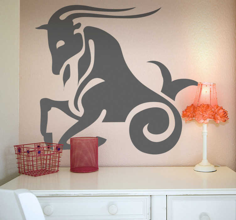 TenStickers. Naklejka na ścianę horoskop kozioroźec. Naklejka na ścianę reprezentująca dziesiąty znak w horoskopie. Obrazek przedstawia koziorożca z uniesionymi przednimi kopytami. Oryginalny pomysł na dekorację pokoju.