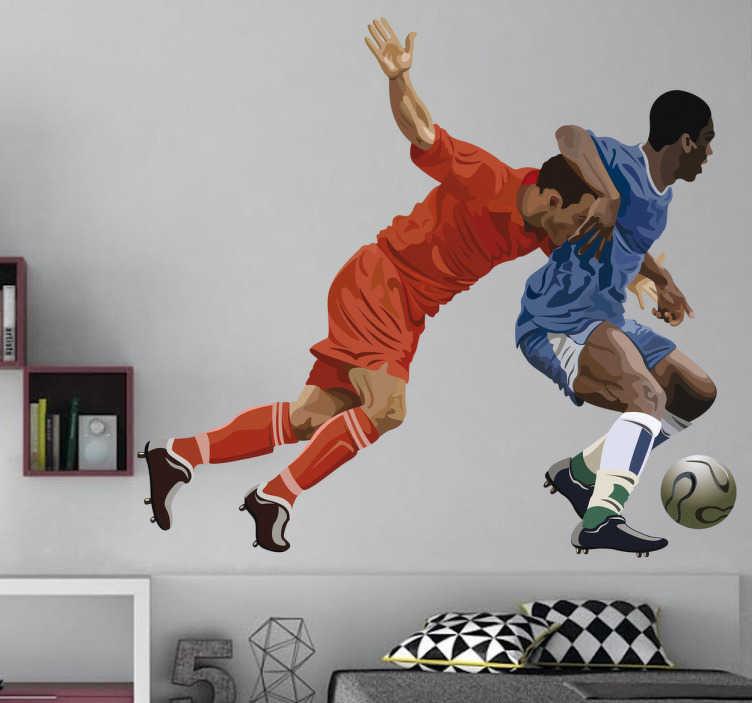 TenStickers. Naklejka dekoracyjna piłkarze. Naklejka dekoracyjna, która przedstawia dwóch piłkarzy walczących o piłkę. Dla wszystkich miłośników piłki nożnej.